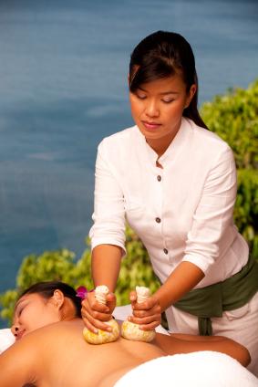 BDG-Body-Treatment-Thai-Massage-Kräuterstempel
